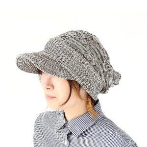 つば付きニット帽